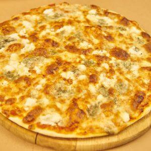 Pizza Quatro Formagi 02